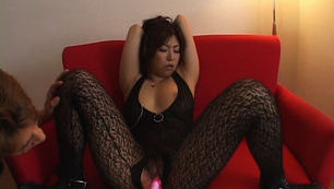Naho Hazuki Japanese beauty enjoys masturbating