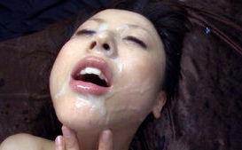 Junko Hayama Lovely model in bukkake