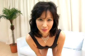 Nami Okouchi Mature Asian woman