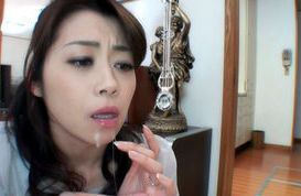 Maki Houjo Japanese mature beauty is a lovely and kinky babe