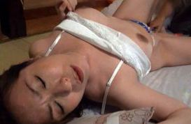 Horny Asian mature babe toy inserting action right here