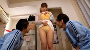 Karen Natsuhara Asian MILF enjoys giving hot blowjobs