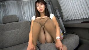 Horny MILF Cums Hard From Being Fucked Deep In Her Pussy