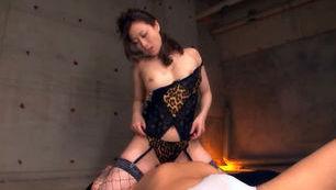 Hot Japanese babe treats lucky dude to hot blowjob