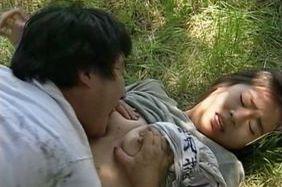 Reiko Akiyama Japanese babe gets outdoor sex