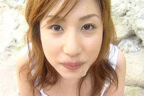 Mami Hot Asian babe gives blowjob