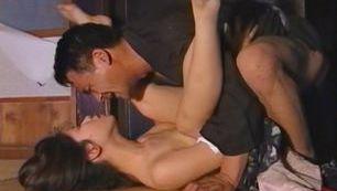 Reiko Akiyama kinky outdoor sex!