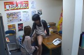 Hottest Japanese babe gives a hot blowjob