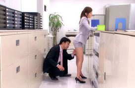 Kinky office babe Yuma Asami gets pounded like mad